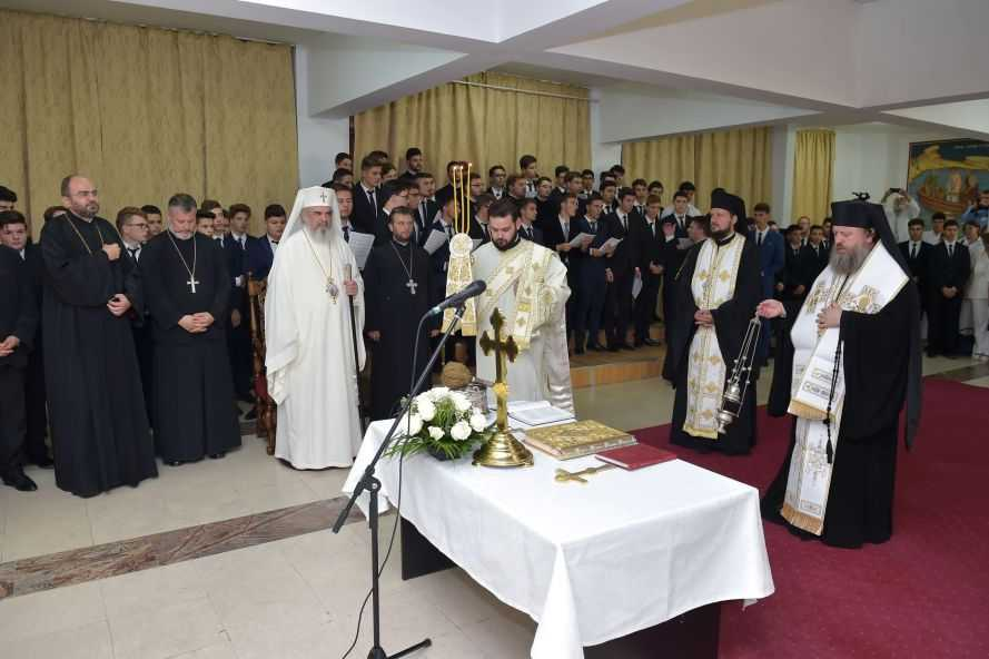 The first Healthcare School of the Romanian Orthodox Church opened by Patriarch Daniel