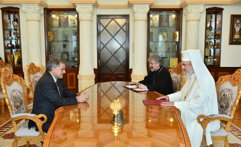 Patriarch Daniel receives the resigning Ambassador of France in Bucharest, Francois Saint-Paul