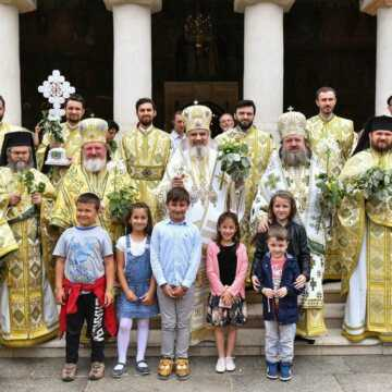 Patriarch Daniel Bishop Varlaam Bishop Timotei on 2017 Pentecost at the Patriarchal Cathedral